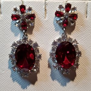 💝Beautiful  Red and white crystal oval earrings